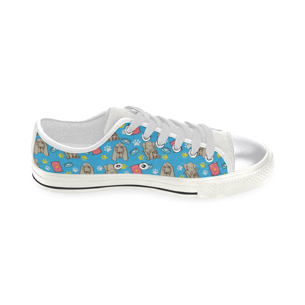 Bloodhound Pattern White Women's Classic Canvas Shoes - TeeAmazing