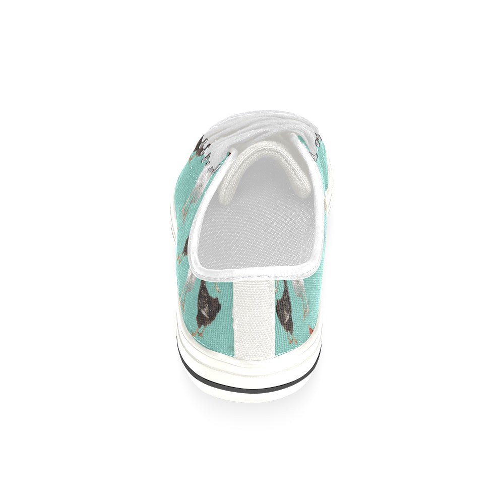 Chicken Pattern White Women's Classic Canvas Shoes - TeeAmazing