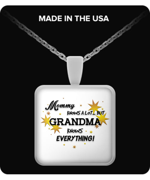 Grandma Knows Everything Necklace - TeeAmazing - 3