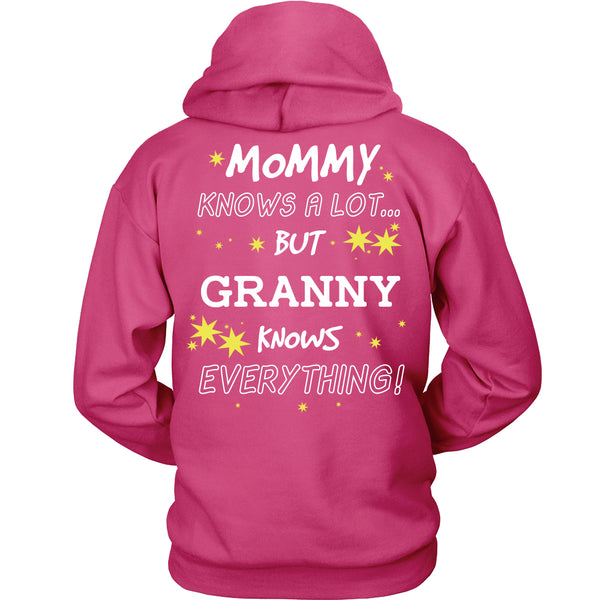 Granny Knows Everything T-Shirt -  Granny Shirt - TeeAmazing - 16