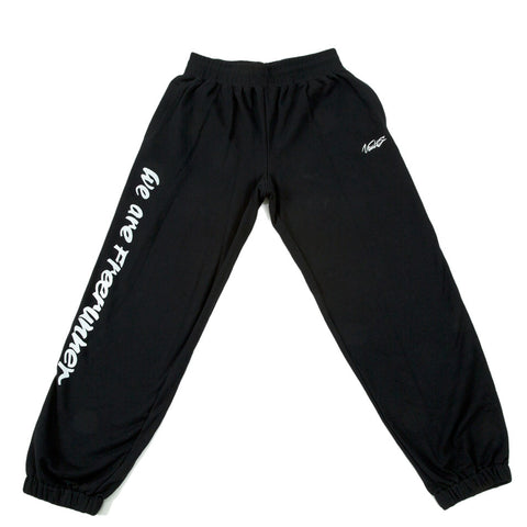 "VAULTS101 ""WE ARE FREERUNNER"" SWEAT PANTS 【BLACK】"