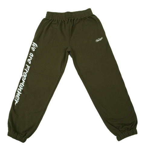"VAULTS101 ""WE ARE FREERUNNER"" SWEAT PANTS 【OLIVE】"