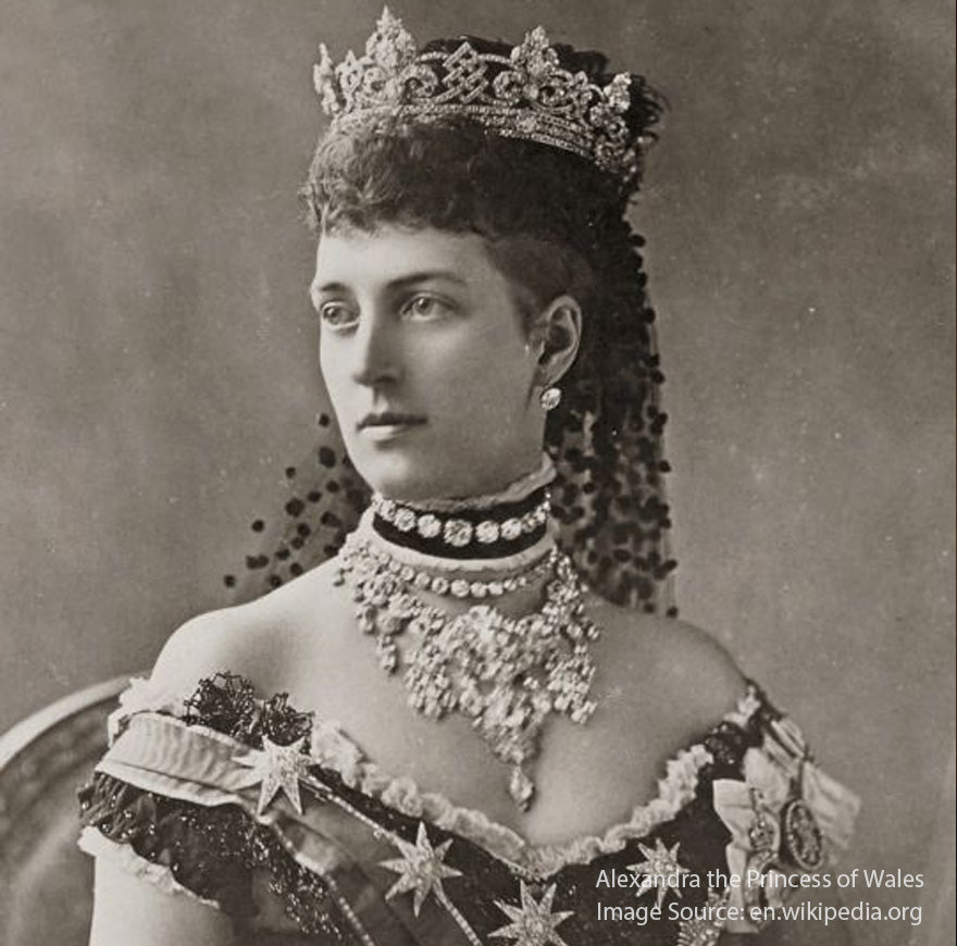 Alexandra-the-Princess-of-Wales-s-portrait-of-wearing-choker-necklace