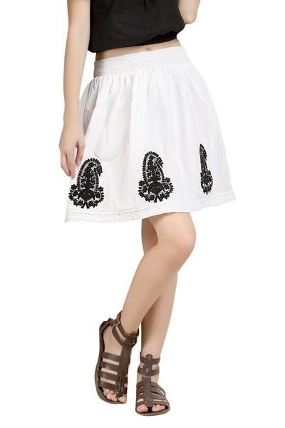 Loco En Cabeza White Solid Cotton Lace and Embroidery Skirt   CZWS0001