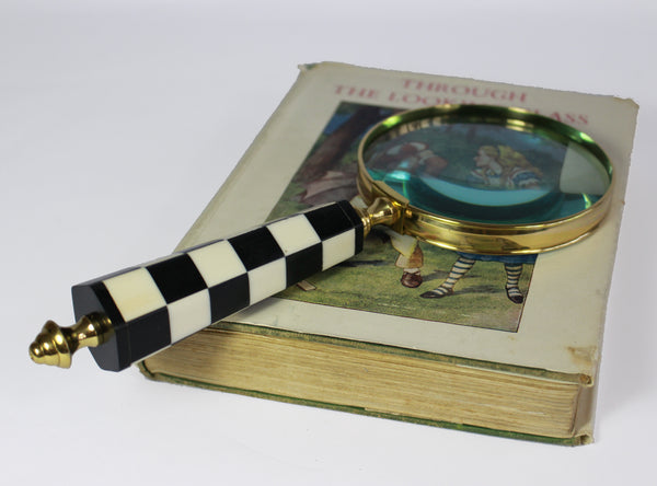 Magnifying Glass, Alice In Wonderland Vintage Glamour, Black & White Hexagon Chequered Handle
