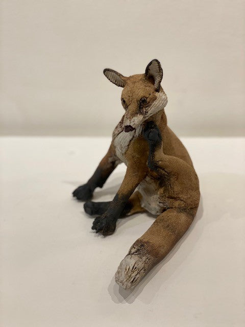 Elaine Peto 'Small Scratching Fox' ceramic 19x19cm