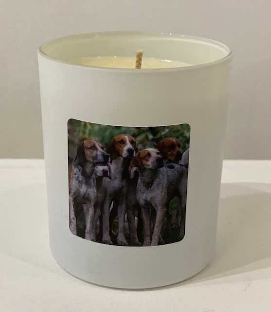 Gillian Hughes 'Candle with Hounds' spiced orange, cinnamon & clove H8cm D9.5cm