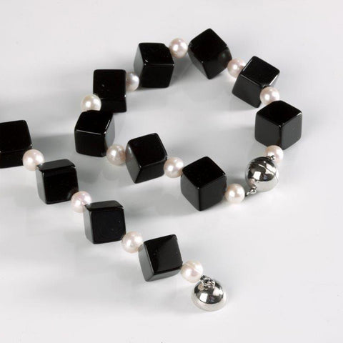 Onyx and Freshwater Pearl Bracelet