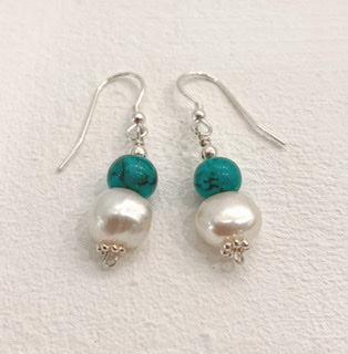 Sandra Pennell 'Earrings' Fresh water pearl