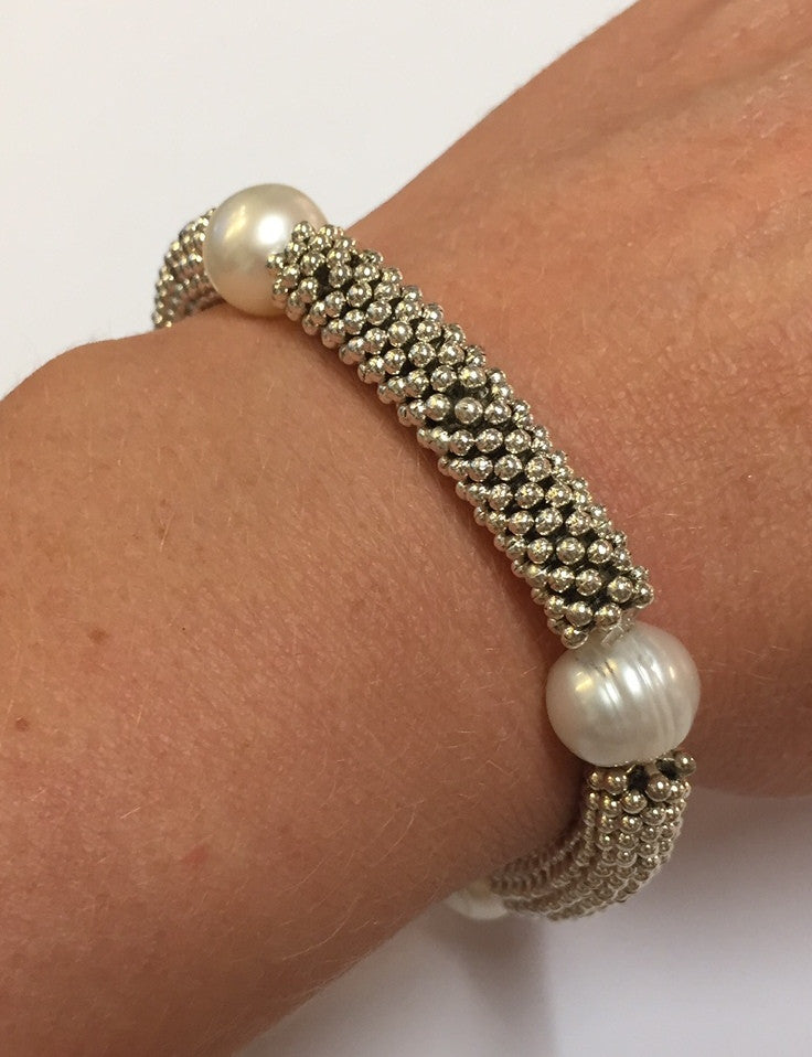 Pearl and link bracelet