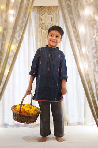 'Kaju Katli' pintuck kurta in blue