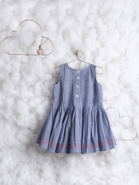 'Pitter Patter' in Chambray Blue