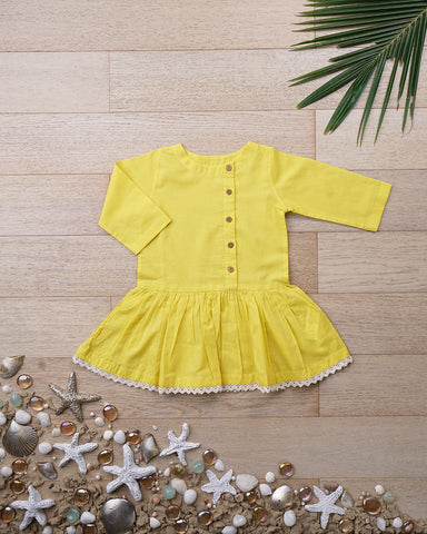 'Peek-a-boo' in Sunshine Yellow