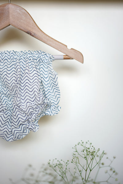 'Whale of a time' full sleeves jhabla and bloomers set in blue chevron - (Unisex - 0-6 months)