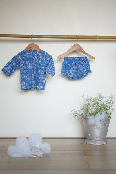 'Whale of a time' full sleeves jhabla and bloomers set in blue floral - (Unisex - 0-6 months)