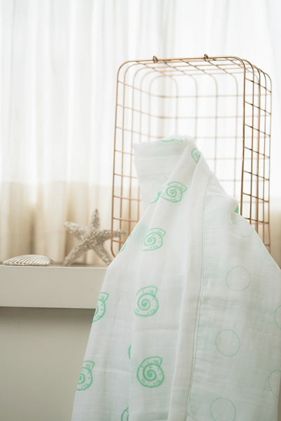 'Pearly Shell' Organic Cotton Blanket/ Dohar in Green