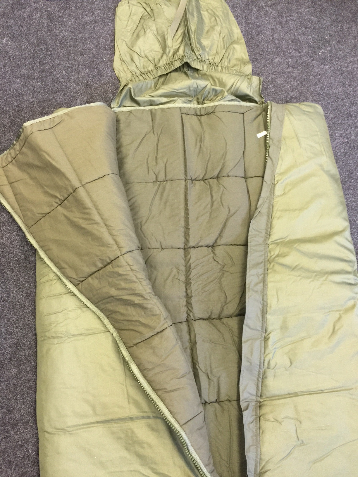 French army surplus sleeping bag with waterproof base - NEW and UNISSUED