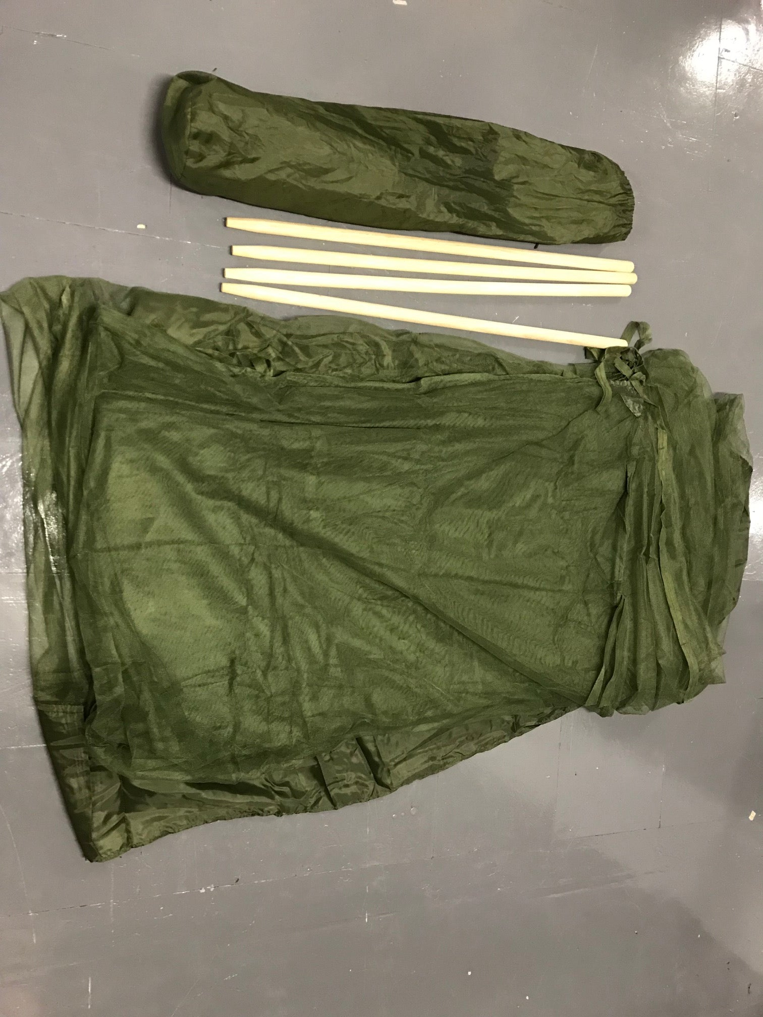 British army surplus moisquito net, 4 wood poles FOR COT BED