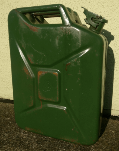 French army surplus 20 Litre fuel / petrol jerry can 20l diesel military