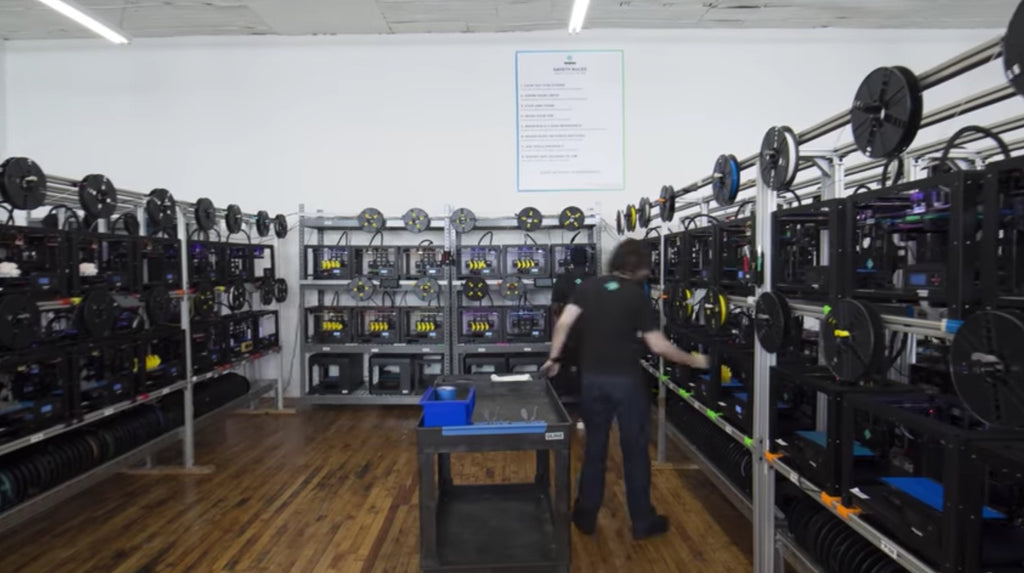 VIDEO: Voodoo Manufacturing's First-Ever Robot-Operated 3D Printer Cluster