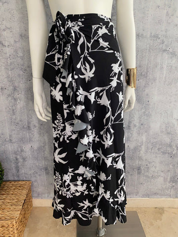 Bolero Cover up skirt white/Black flowers
