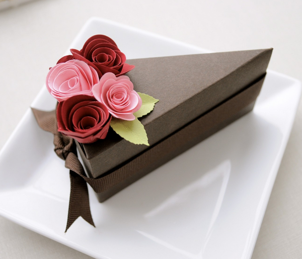 Paper Cake Boxes With Red And Pink Flowers