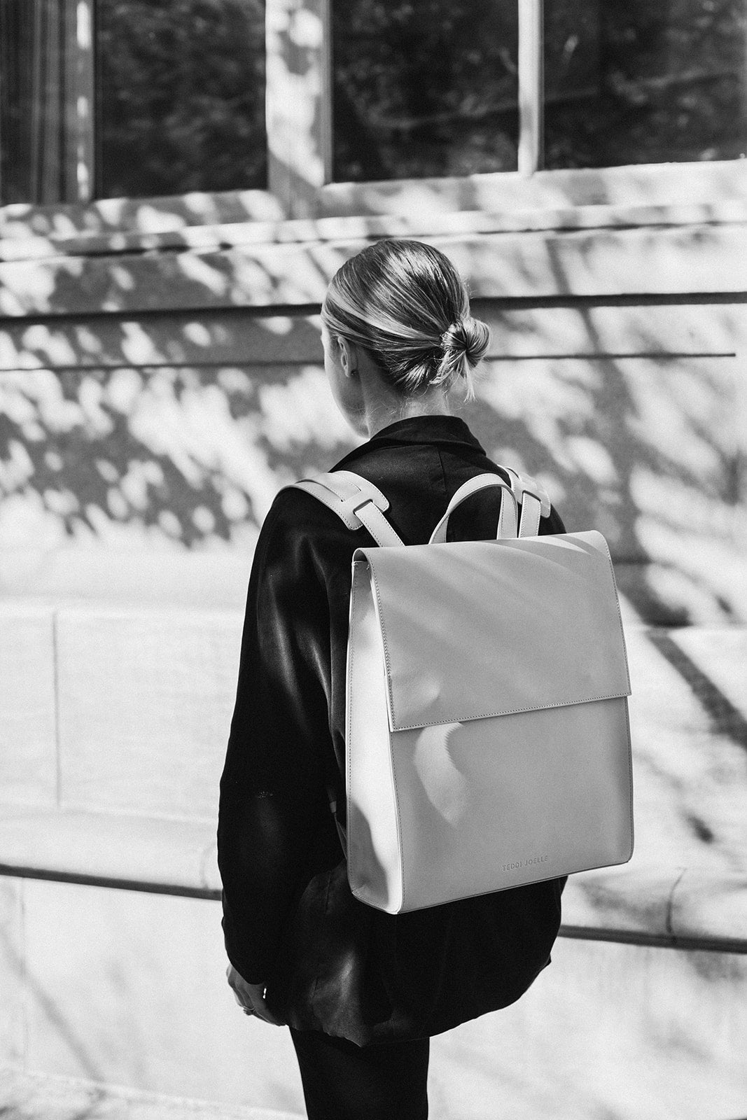 LAST CHANCE: MINIMALIST BACKPACK - BLACK
