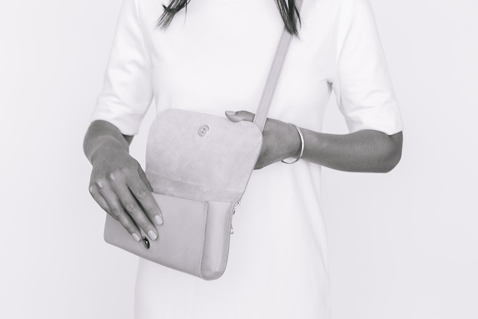 WALLET CLUTCH - UNDYED NATURAL CROC EMBOSS