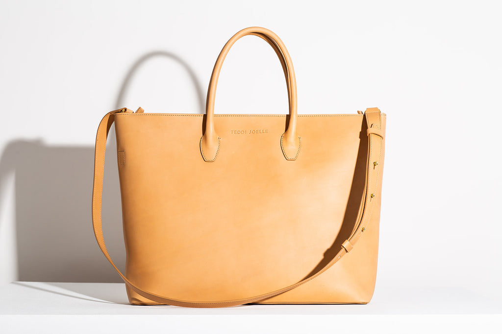 Last Chance: ZIPPER ESSENTIALS TOTE - NATURAL