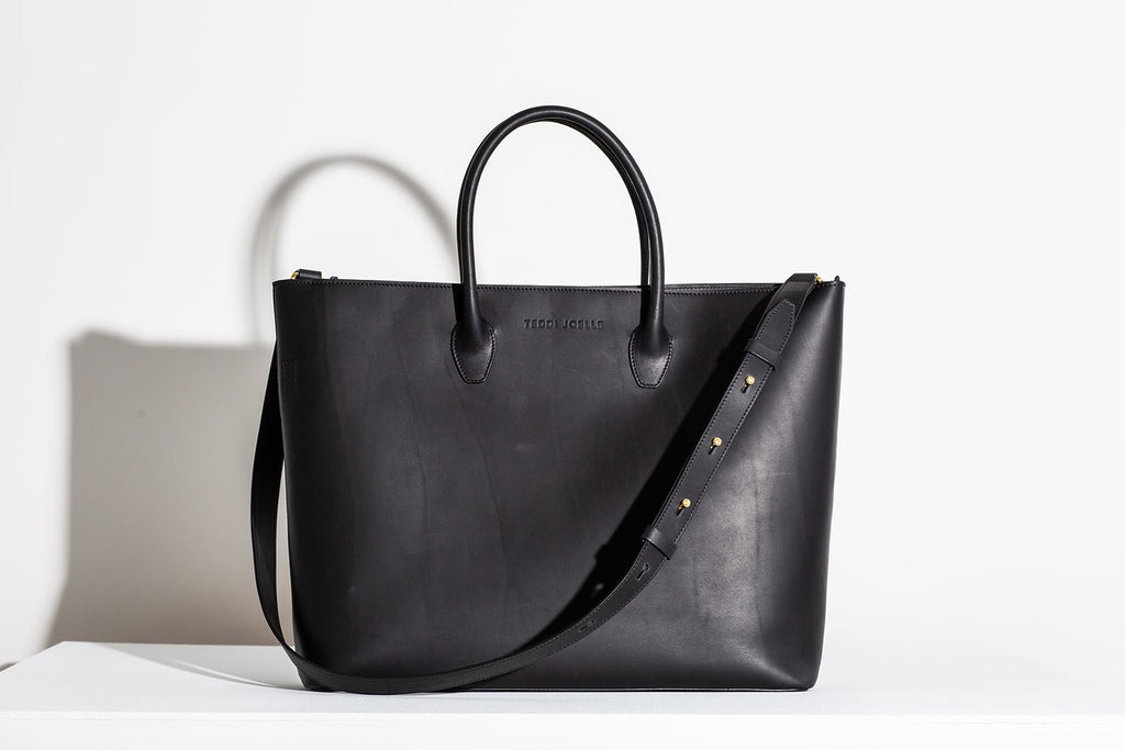 Last Chance: ZIPPER ESSENTIALS TOTE - BLACK