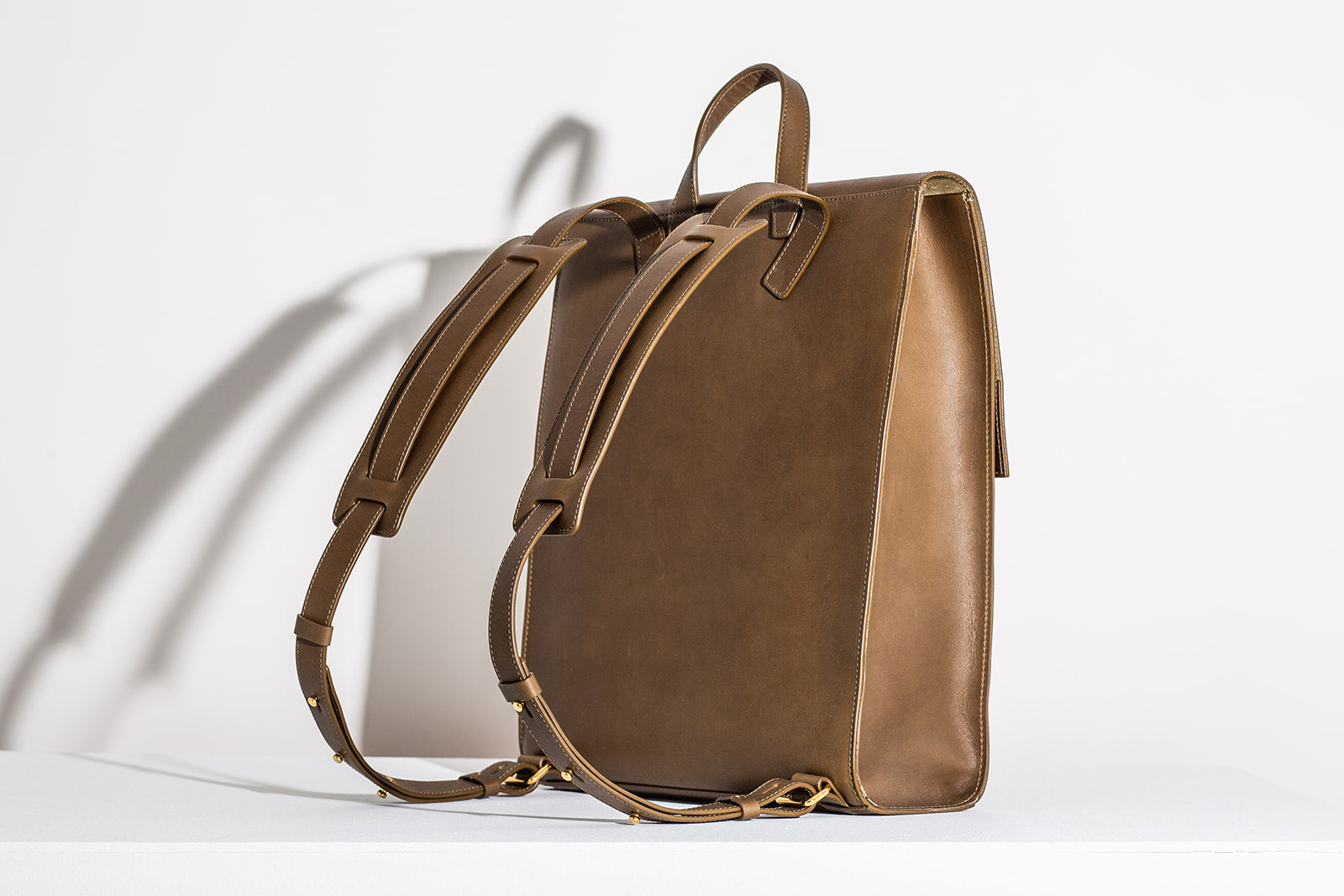 MINIMALIST BACKPACK - OLIVE