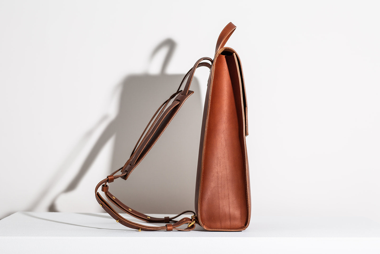 LAST CHANCE: MINIMALIST BACKPACK - COGNAC