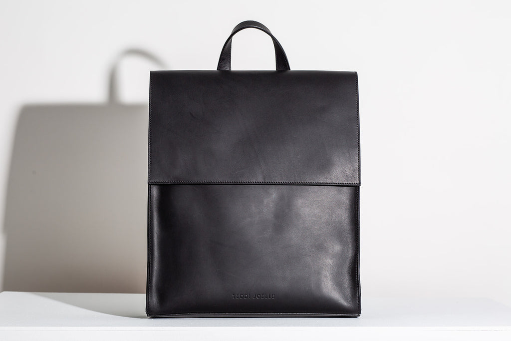 MINIMALIST BACKPACK - BLACK
