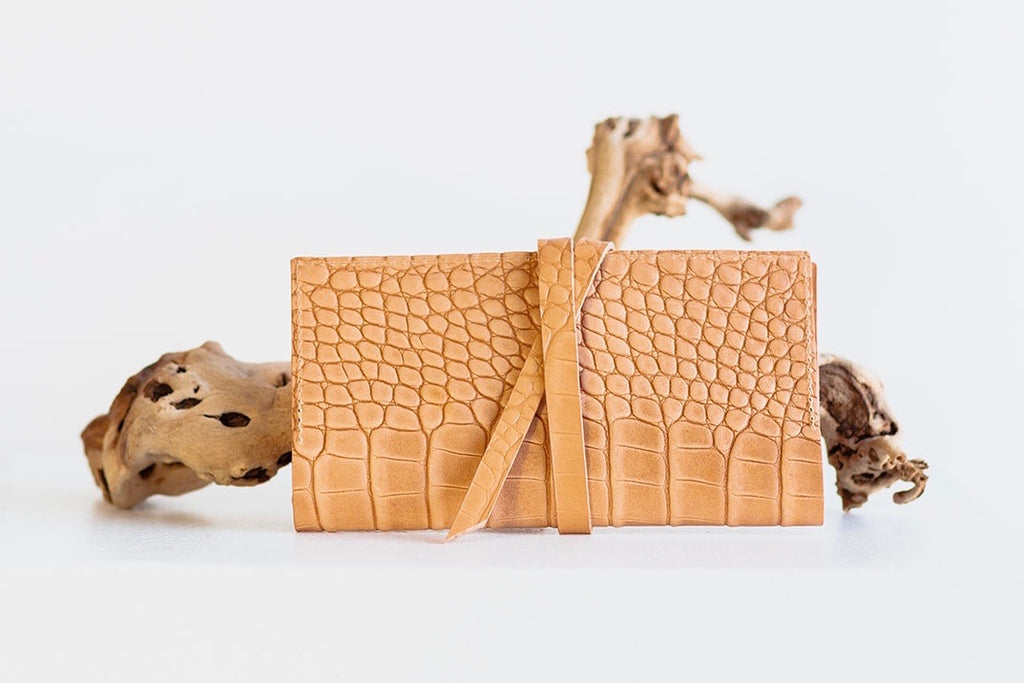 ESSENTIALS WRAP WALLET - UNDYED NATURAL CROC EMBOSS