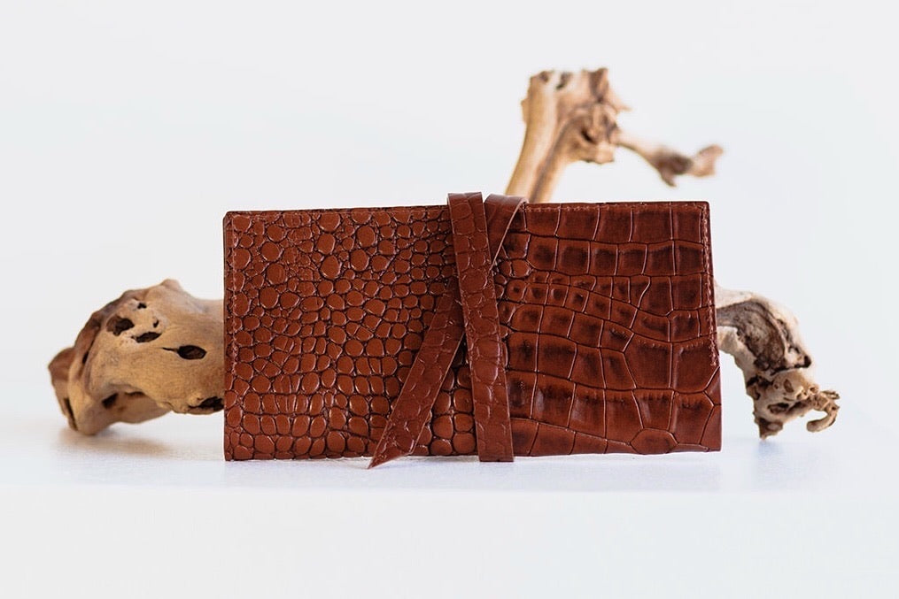 ESSENTIALS WRAP WALLET - BROWN CROC EMBOSS