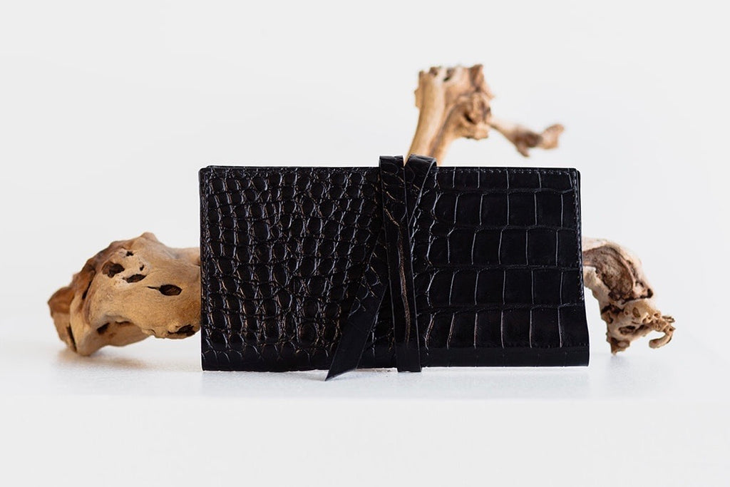 ESSENTIALS WRAP WALLET - BLACK CROC EMBOSS