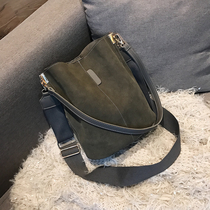 Scrub bucket bag shoulder bag