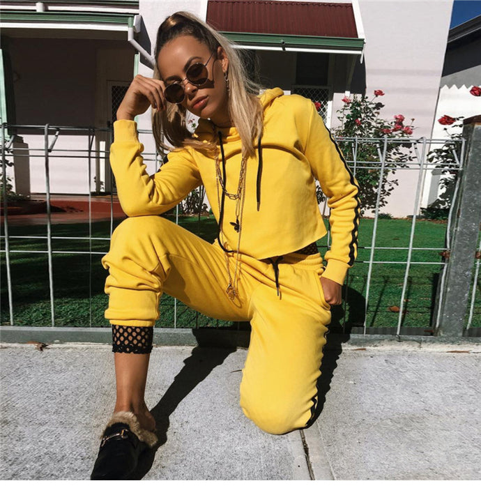 Hooded long sleeve yellow sports suit