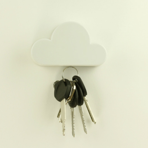 1pcs Creative White Cloud Shape Magnetic Magnets Wall Key Holder box Home Storage Keychain Hanger Gifts