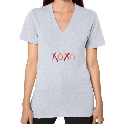 T-Shirt XS / Heather grey V-Neck (on woman)
