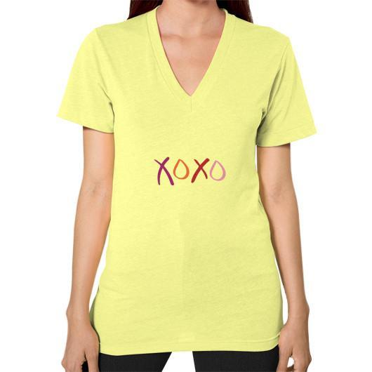 T-Shirt XS / Lemon V-Neck (on woman)