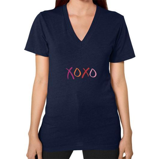 T-Shirt XS / Navy V-Neck (on woman)