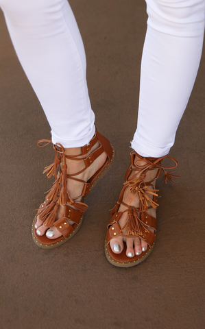 HOLLY FRINGE SANDALS