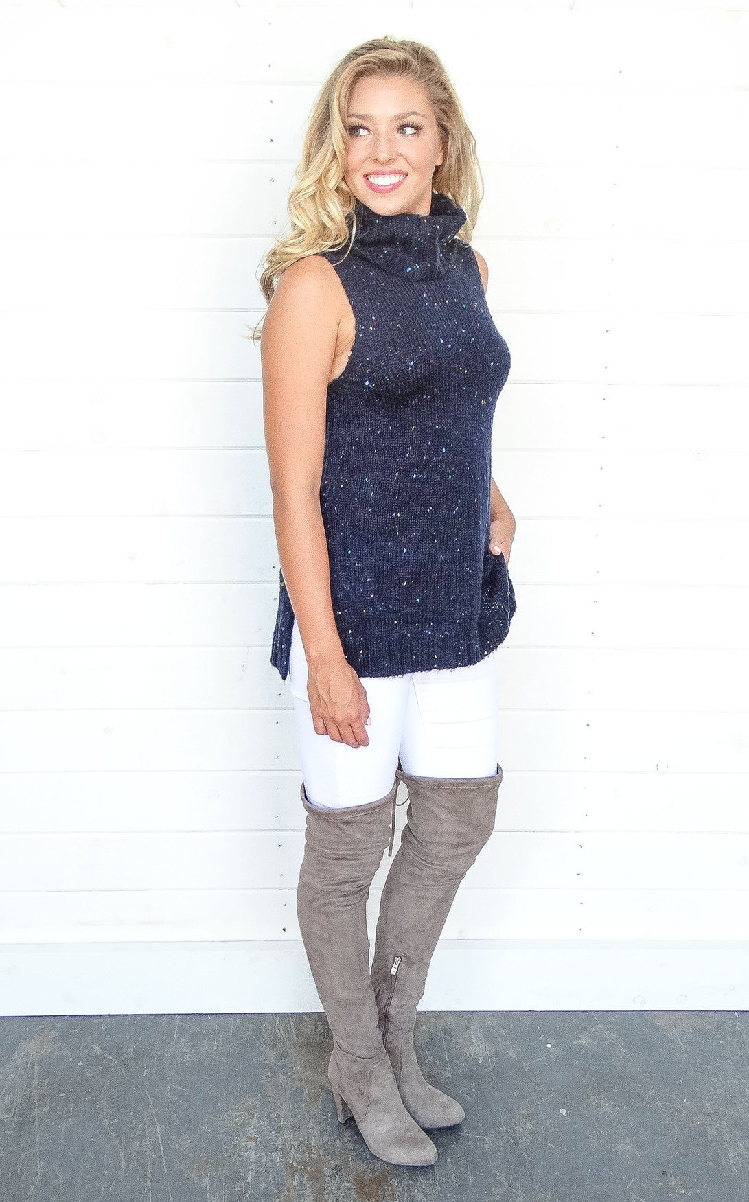 SLEEVELESS TURTLENECK - NAVY