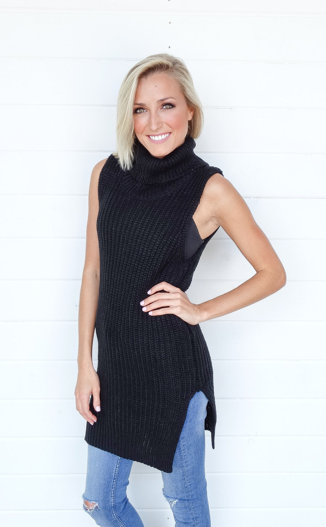 SLEEVELESS TURTLENECK TUNIC - BLACK