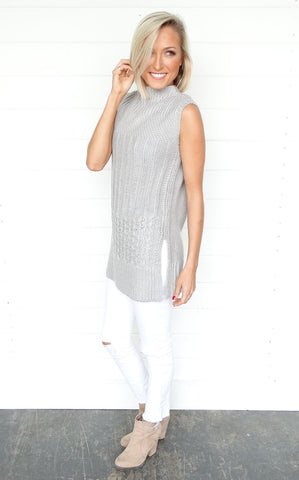 SLEEVELESS CABLE KNIT