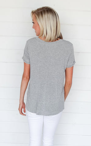 BASIC V-NECK TEE - GREY