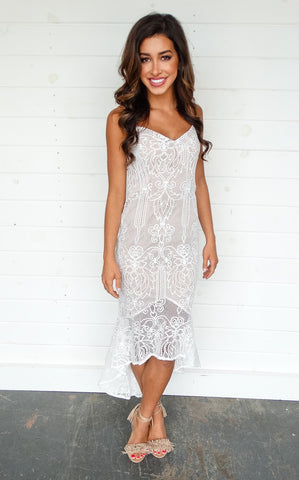 BELLE LACE DRESS - IVORY