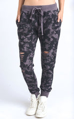 DISTRESSED CAMO JOGGERS