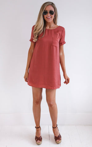 SATIN POCKET DRESS - CINNAMON